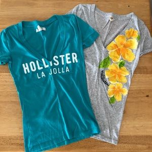 2 Hollister v-neck spring/summer T-shirt's sz XS
